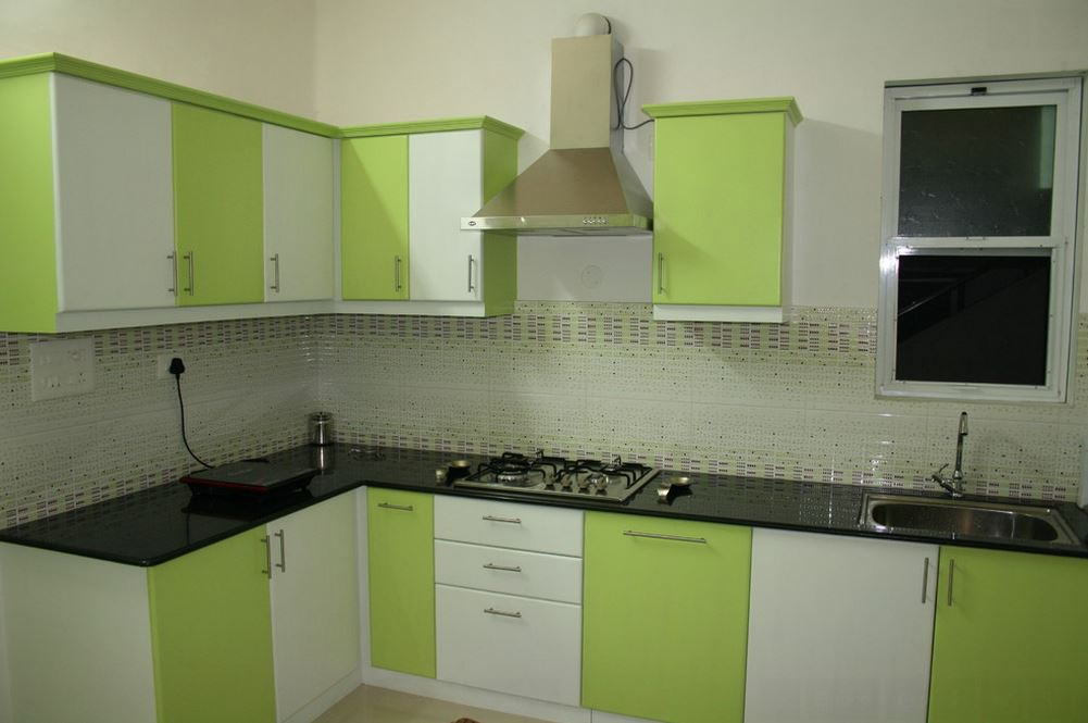 Simple kitchen design for small house kitchen kitchen for Interior design of kitchen room in india