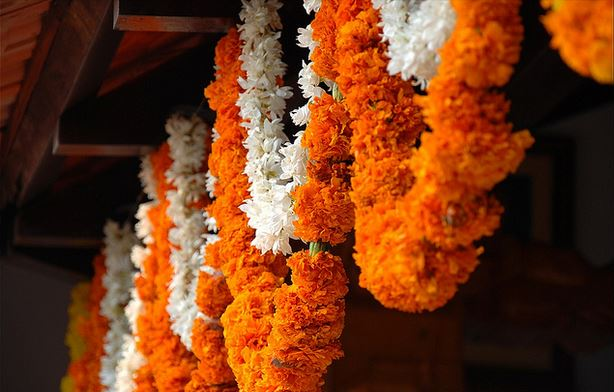 11 Flower Decoration Ideas for Pooja Room - Pooja Room and ...
