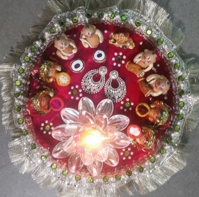 Aarti thali decoration ideas for ganpati aati thali decor for Aarti thali decoration with pulses