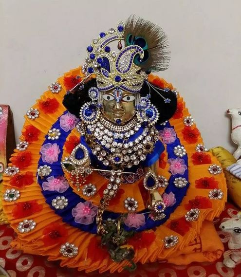 How to Decorate Lord Krishna on Janmashtami