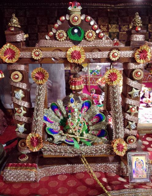 Traditional Krishna Jhula Decoration